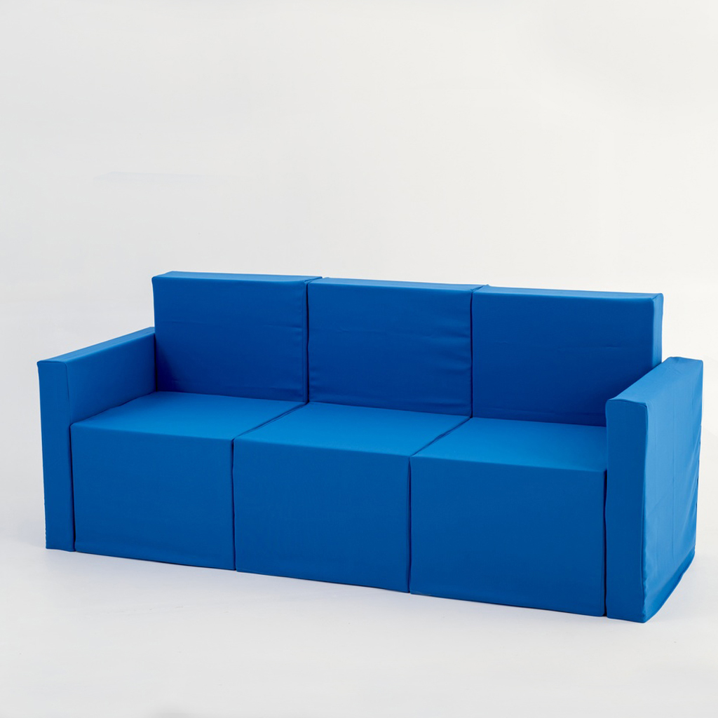 Sof de tres plazas de cart n con fundas doos box - Sofa de tres plazas ...